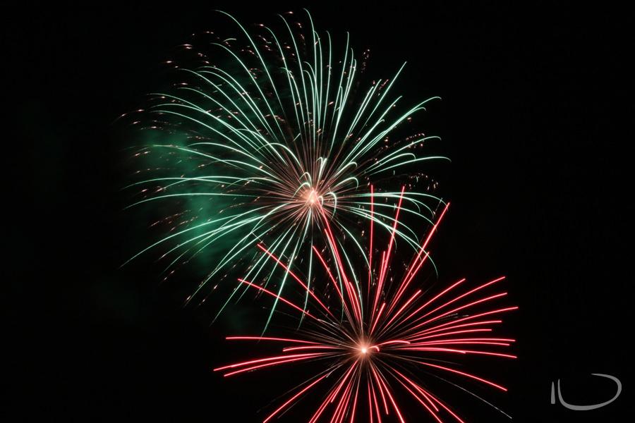 Newport Sydney Wedding Photographer: Red & Green fireworks