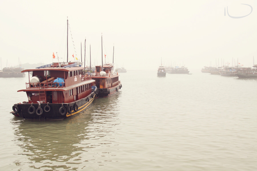 Halong Bay Vietnam Wedding Photographer: Junk boats