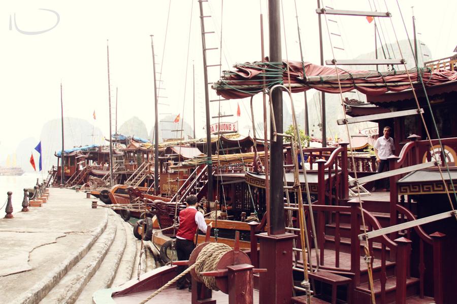 Halong Bay Vietnam Wedding Photographer: Vietnamese junk boats