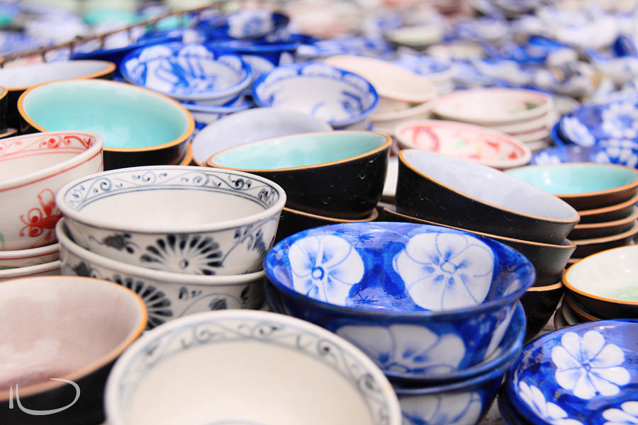 Markets Vietnam Wedding Photographer: China bowls