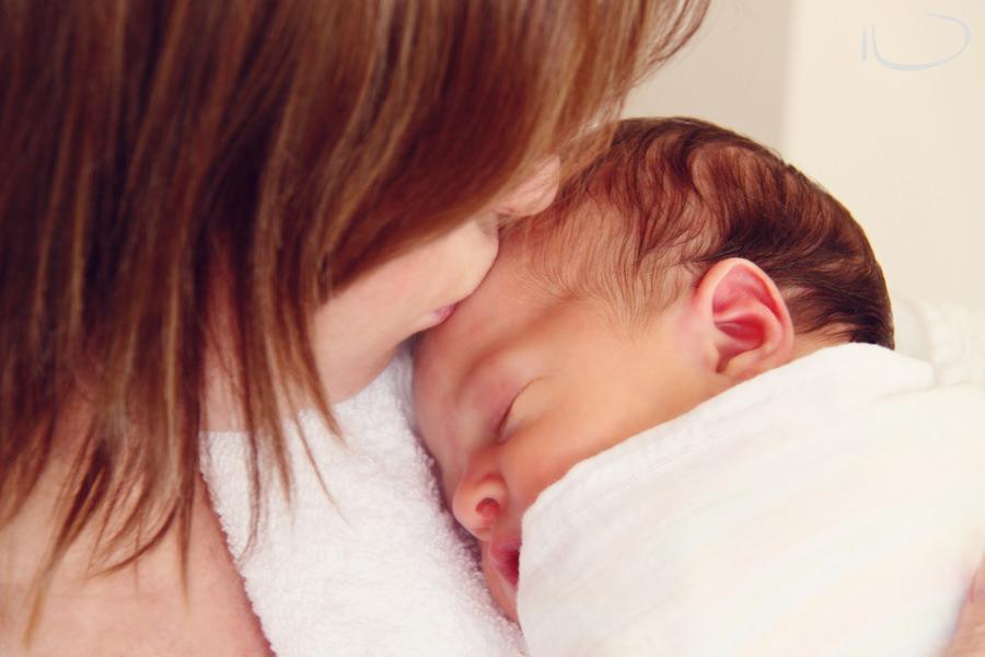 Brisbane Newborn Photographer: Mother and baby
