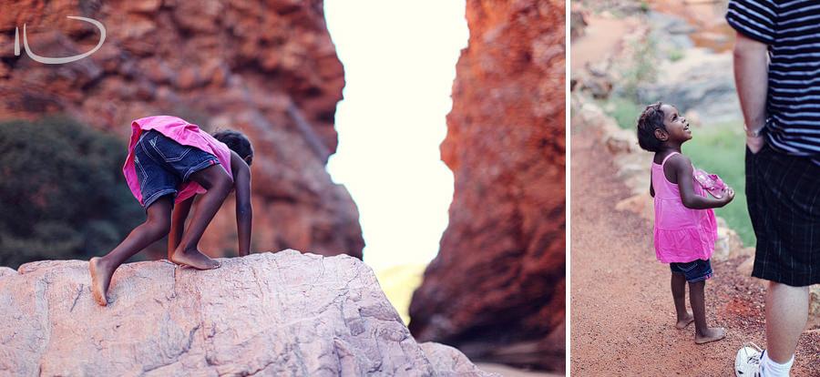 Alice Springs Family Photographer: Simpsons Gap climbing on rocks