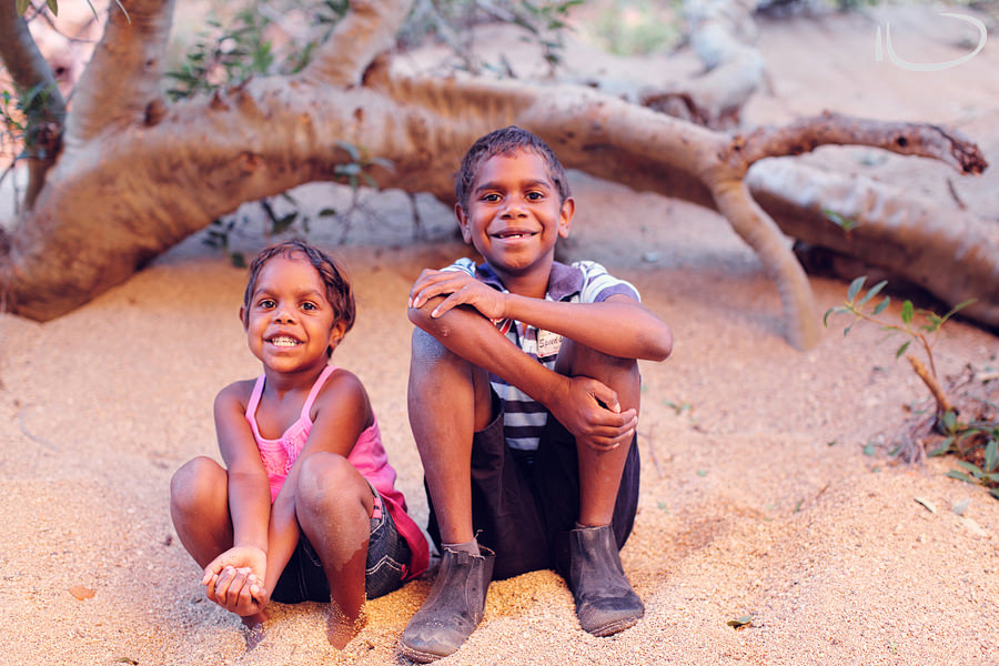 Alice Springs Family Photographer: Foster siblings