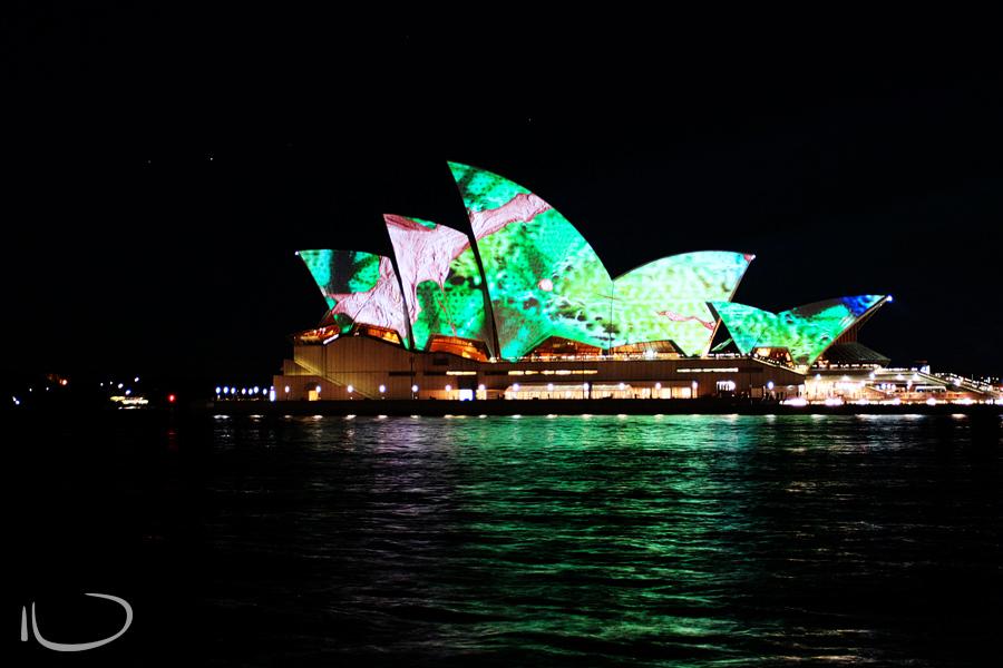 Sydney Wedding Photographer: Sydney Opera House Vivid Festival