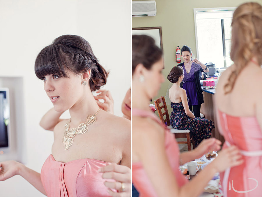 Pokolbin Hunter Valley Wedding Photographer: Bride & bridesmaids getting ready