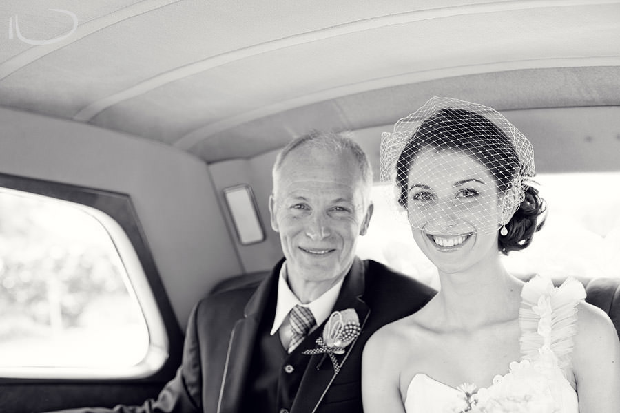 The Vintage Hunter Valley Wedding Photographer: Bride arriving with father in wedding car