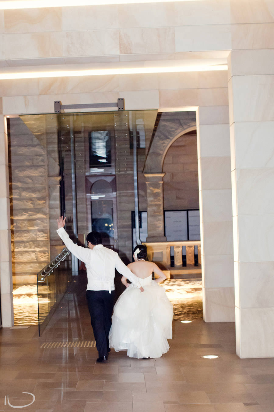 Curzon Hall Sydney Wedding Photographer: Bride & Groom leaving reception