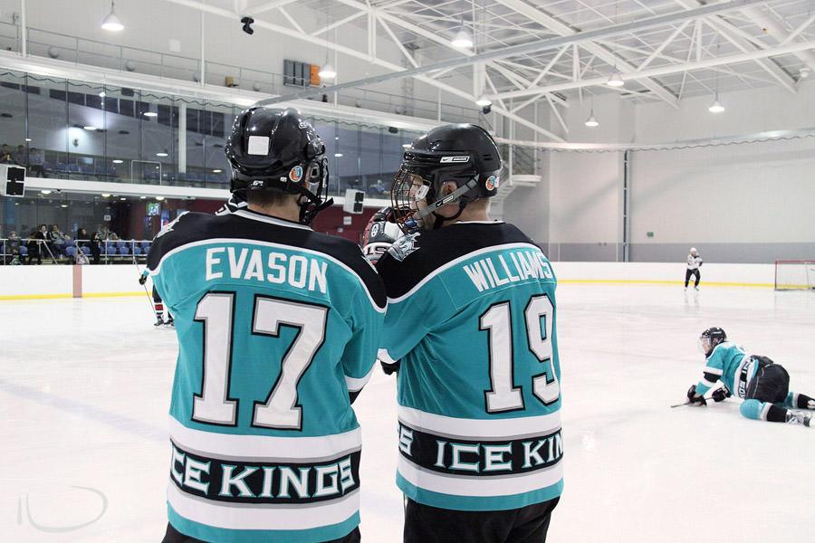 Ice Hockey Sydney Photographer: Pre game talk