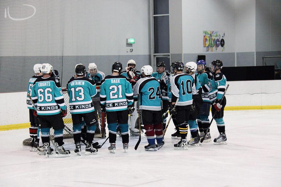 Ice Hockey Sydney Photographer: Team huddle