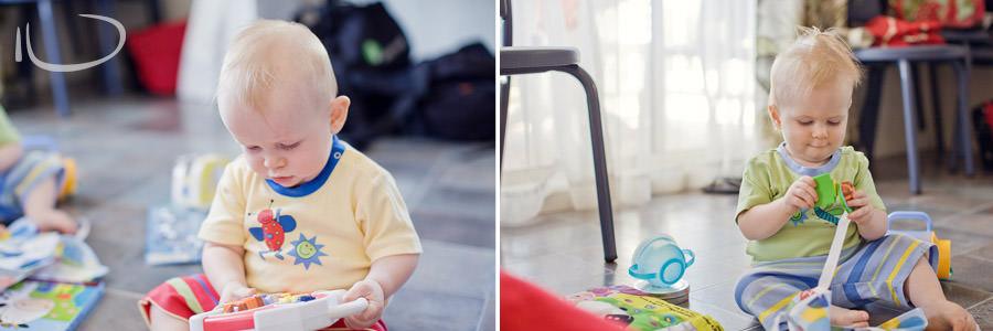 Mona Vale Sydney Baby Photographer: Babies playing