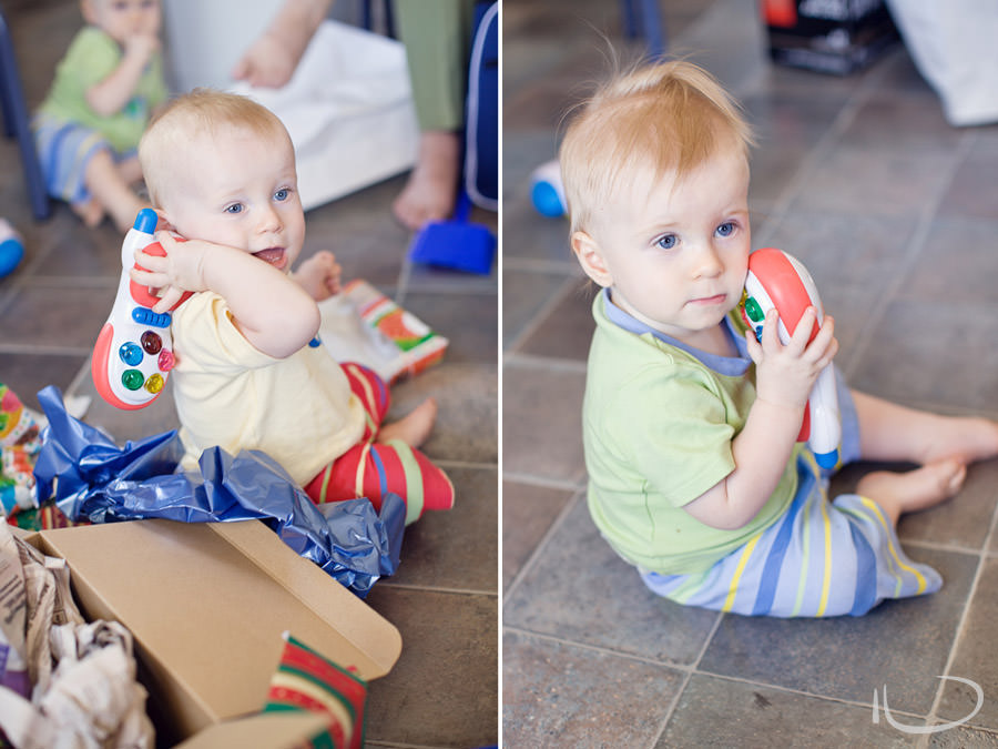 Mona Vale Sydney Baby Photographer: Babies playing with toy phone
