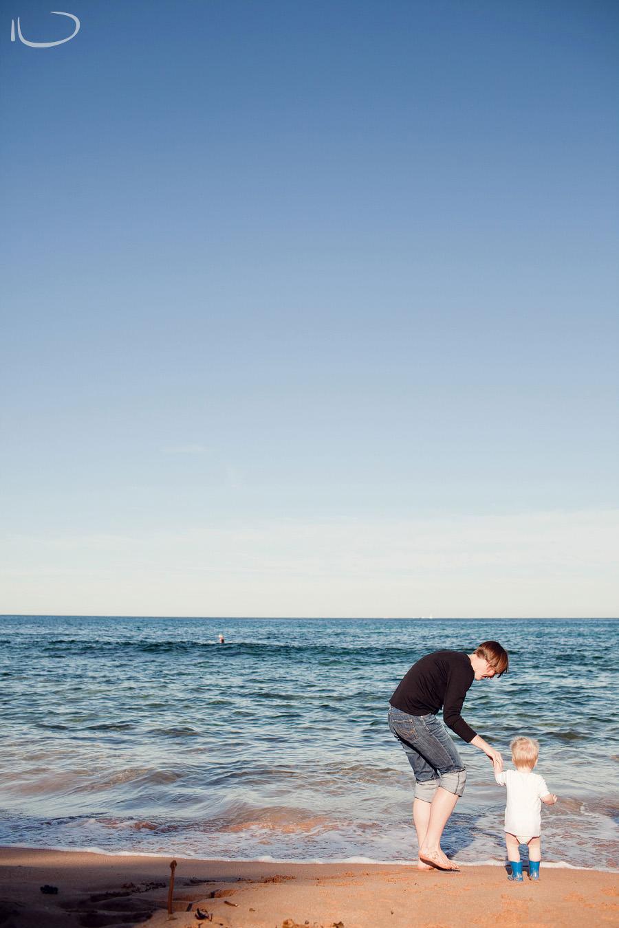 Newport Family Photographer: Mum & Toddler at beach