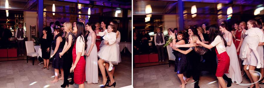 Muse Restaurant, Pokolbin Wedding Photographer: Bouquet toss