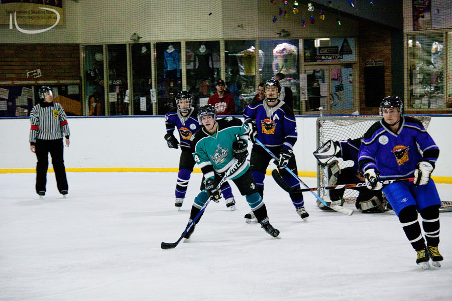 Sydney Ice Hockey Photographer: Outnumbered