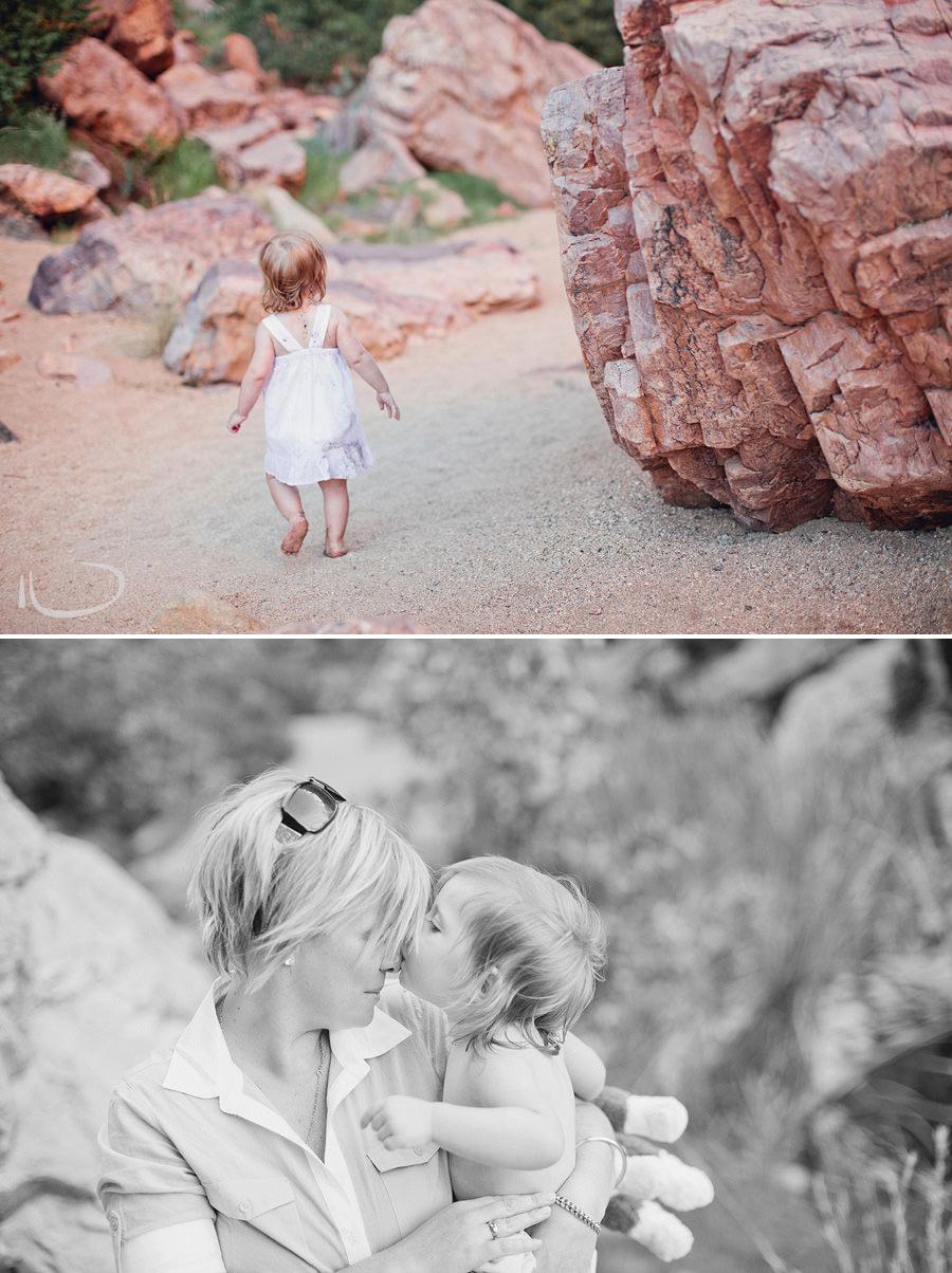 Alice Springs Child Photographers: Tara & Julia at Simpsons Gap