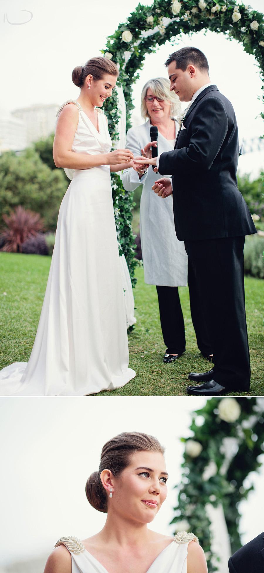 Romantic Wedding Photographer: Ring exchange