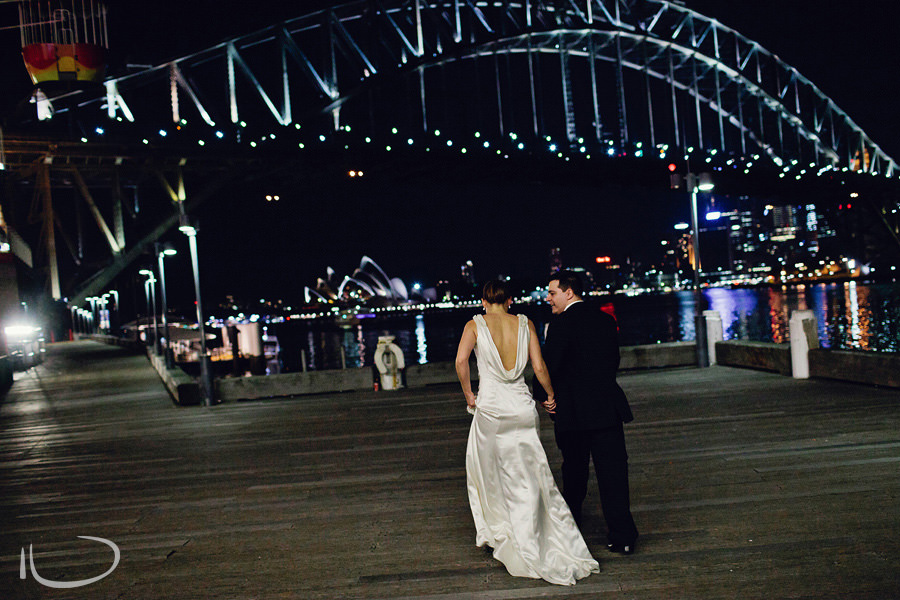 Sydney Wedding Photographer: Bride & groom leaving reception