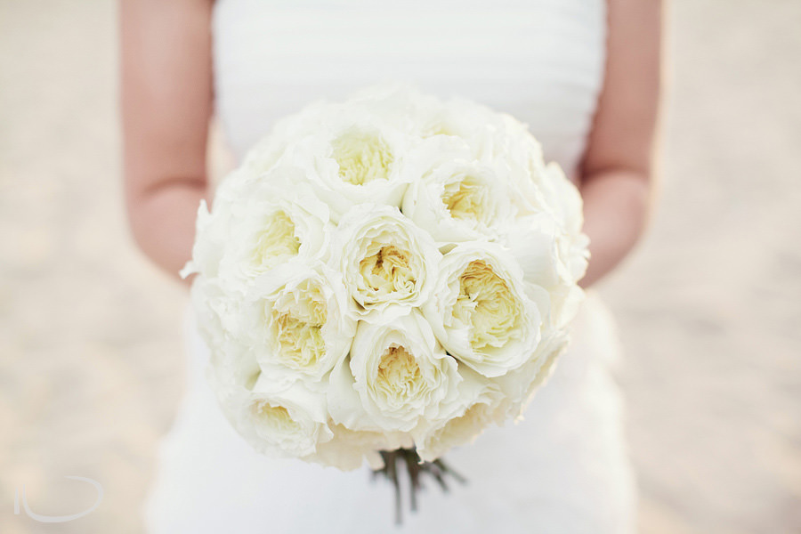 Romantic Wedding Photography: Bride's bouquet