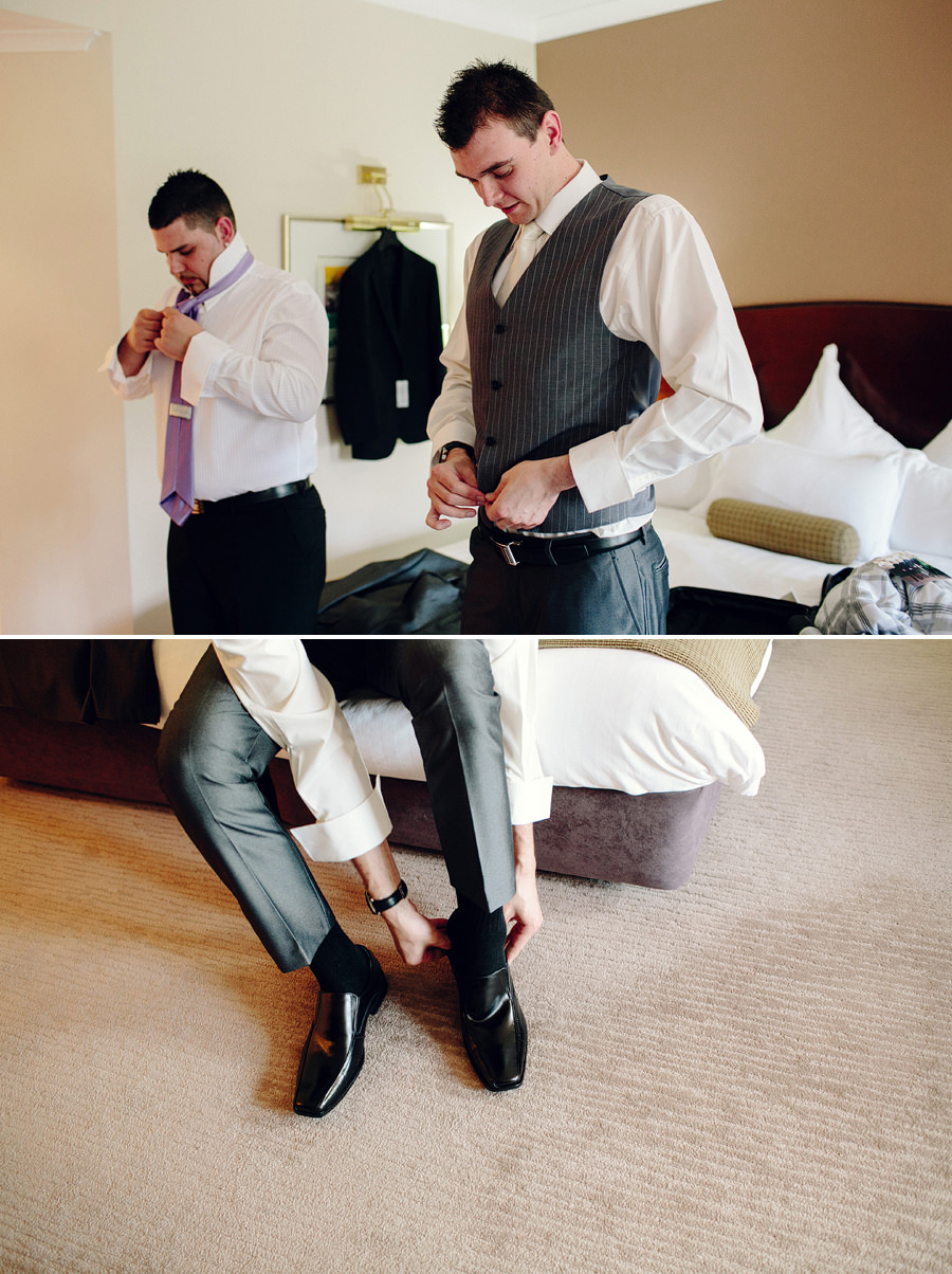 Hawksbury Valley Wedding Photography: Groom & groomsmen getting ready