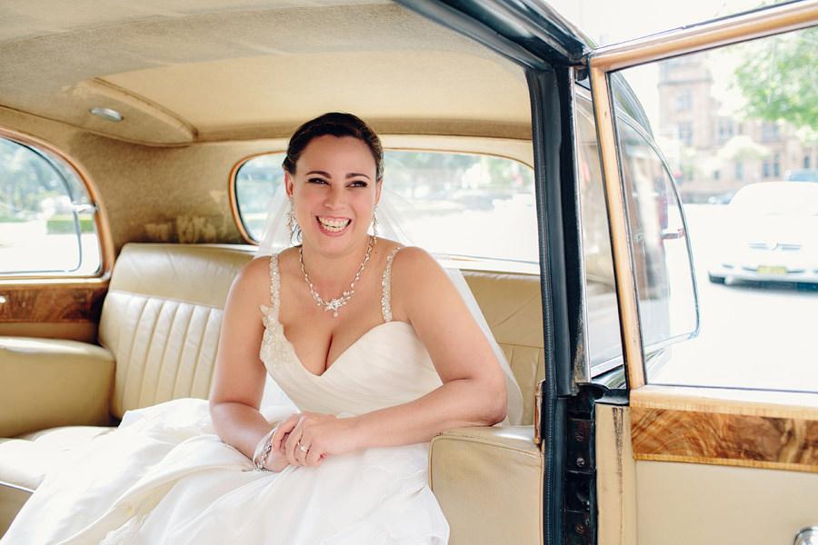Sydney Wedding Photographer: Bride in wedding car