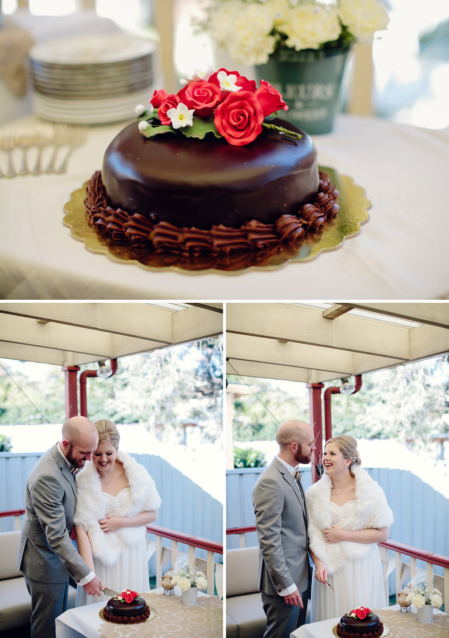 Relaxed Wedding Photographers: Cake cutting