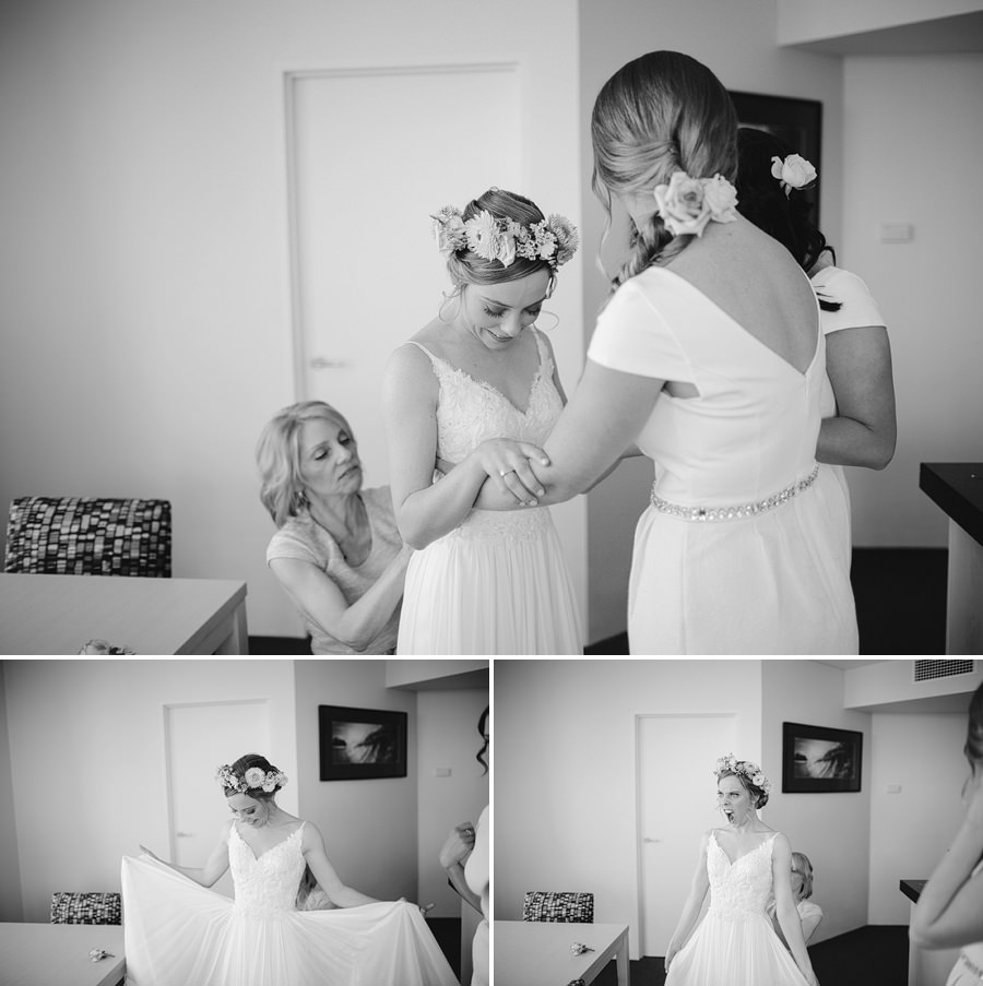 Documentary Wedding Photography: Bride getting ready