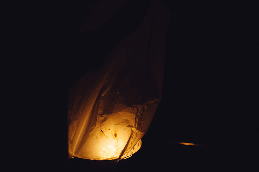 International Wedding Photographers: Sky lanterns